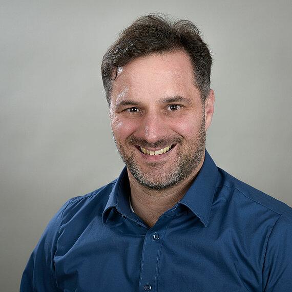Dr. Florian Ausfelder