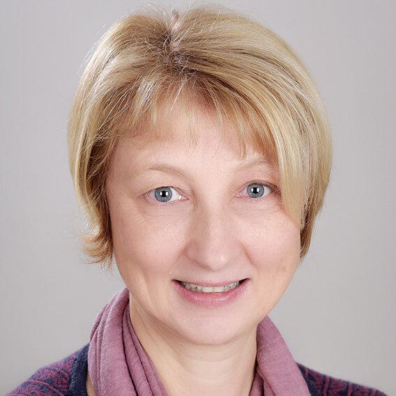 Annette Wolf